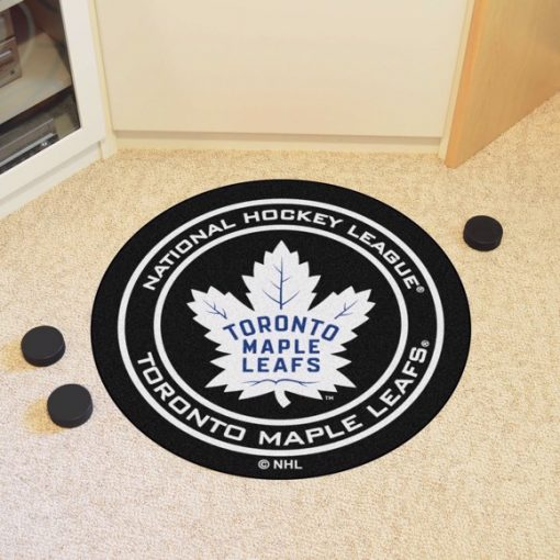 0067859_nhl-toronto-maple-leafs-puck-mat_580